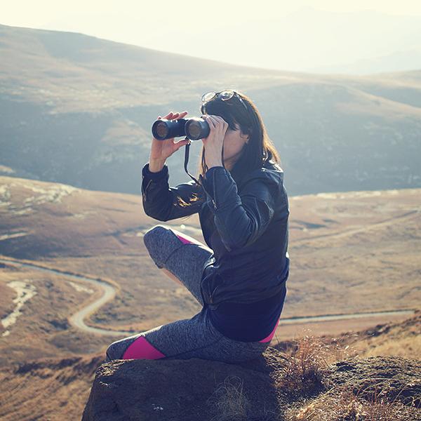 explore-woman_sqr_600px